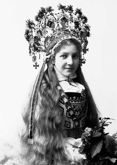 Norwegian Sunday: Bridal Crowns – Part V, Photography | Wings of Whimsy