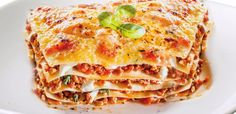 This easy meaty lasagna recipe features heavenly layers of tender lasagna noodles, a creamy ricotta mixture, and a zesty meat sauce. Meaty Lasagna, Sausage Lasagna, Vegetarian Lasagne, Traditional Lasagna, Sweet Italian Sausage, All I Ever Wanted, Italian Dishes, Italian Recipes, Easy Healthy Breakfast