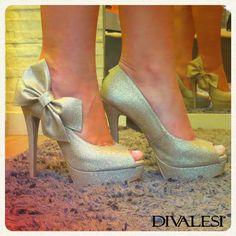 O que achou deste Divalesi lindo? <3 Você pode concorrer a um deste por semana através do site: http://www.sapatonuncaedemais.com.br