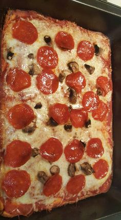 Low Carb The Crust is soft so this is actually more of a casserole dish but the flavor is there. I used Minced Garlic from a Jar rather than Garlic Powder. For the Pizza Sauce I used leftover Kittencals Pizza Sauce Recipe that had been frozen after Bariatric Recipes, Healthy Recipes, Low Carb Recipes, Pizza Recipes, Skillet Recipes, Dinner Recipes, Dessert Recipes, Zone Recipes, Healthy Options