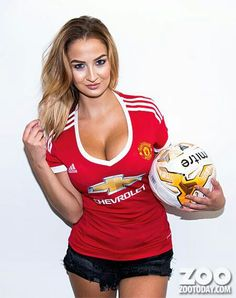 Sexy woman Hot Football Fans, Football Girls, Soccer Fans, Soccer Girls, Manchester United Football, Manchester Logo, Premier League Champions, Man United, Athletic Women
