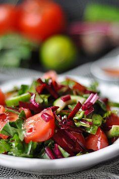 Wiosenna sałatka z botwinki - Damsko-męskie spojrzenie na kuchnię Caprese Salad, Lunch Box, Cooking Recipes, Blog, Chef Recipes, Bento Box, Blogging, Insalata Caprese