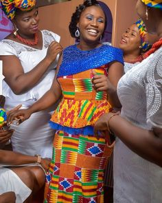Kente Outfits For Cute Couples And Lovers - Sisi Couture African Print Fashion, Africa Fashion, African Fashion Dresses, African Attire, African Wear, African Style, Women's Fashion, African Dresses For Kids, African Clothing For Men