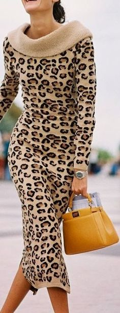 Paris Fashion Week 2014 - Giovanna & Karla - LOVE my leopard prints! Leopard Fashion, Animal Print Fashion, Fashion Prints, Love Fashion, Womens Fashion, Animal Prints, Leopard Prints, Fashion 2014, Fashion Weeks
