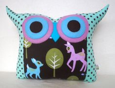 fongstudio - LOVE their owl pillows