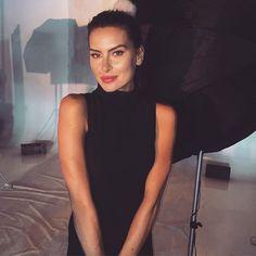 Basic but Never Boring✔️Vem pra nossa loja virtual, Vestido Básico✔️Midi✔️Gola Alta✔️Disponível aqui: www.inspireland.com #myinspireland #basic #vestido #dress #basico #midi #instagood #basicbutneverboring #gir #lookbook #backstage #details #instacool #cool #beautiful
