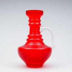 Tamara Aladin, Kleopatra, RIIHIMÄEN LASI, k 25 cm. Red Glass, Glass Vase, Glass Design, Design Art, Aladdin, Modern Contemporary, Retro Vintage, Finland, Vases