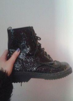 Kup mój przedmiot na #vintedpl http://www.vinted.pl/damskie-obuwie/inne-obuwie/9906957-buty-glany-kalosze-czarne-tally-weijl