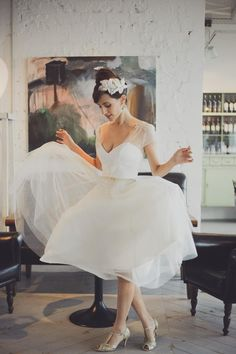 With Summer On The Way And Hemlines Up We Re Checking Out Some Of Sweetest Tea Length Wedding Dresses For Ravishing Retro Brides