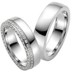 Perennas Sparkle Eheringe... Möglichst viele Diamanten! Das ist das Credo dieser Ringe und es wurde in diesem Modell perfektioniert. Wunderbar einfach und wunderbar exklusiv!