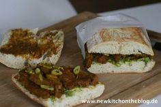Essen fürs Büro: Ciabatta mit Saté-Spießchen und Avocadocreme