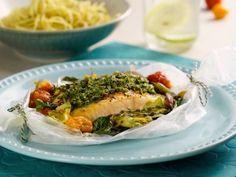 Día 1 del #retokiwilimón: para la comida, prepara una salmón empapelado con pesto de espinacas ¡Síguelo y siéntente mejor cada día!