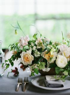 Botanical Wedding Flower Inspiration. Soft peach and cream garden roses, peony, hellebores for Ginny Au Workshops. Bows and Arrows Flowers. Heather Hawkins Photography.