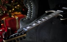 We are not gift store. But we got best Christmas presents. Because best gift for Christmas is... well, you know 😏  #guitar #electricguitar #rareguitar #uniqueguitar #collectibleguitar #guitarcollection #guitarporn #guitarsdaily #guitarspotter #pickupjazz #geartalk #guitarsarebetter #effectsdatabase #rockstarguitar #guitarists_unite #guitaristsunite #gearnerd #gearnerds #hottestguitar #guitarnerd #kononykheen