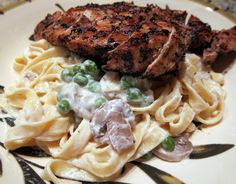 Pasta Carrabba recipe..fettuccine alfredo with grilled chicken, sautéed mushrooms and peas    www.plainchicken....
