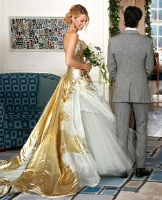 In the series finale of Gossip Girl in 2012, Serena Van Der Woodsen (Lively) wed Dan Humphrey (Penn Badgley) in a gold George Chakra Spring 2011 Couture gown.