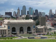 Pin for Later: The 25 Best Cities For Jobs in the US Kansas City, MI  Number of Job Openings: 28,786 Population: 2,071,133 Median Base Salary: $46,000 Median Home Value: $138,500 Job Satisfaction Rating: 3.2