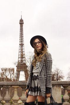 looksly - @fashioncoolture em Paris com saia e blusa do Inverno 2016