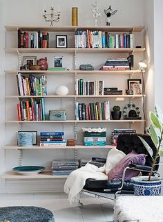 DIY Shelves Ideas : Grands volumes à Göteborg Living Room Designs, Living Room Decor, Living Spaces, Room Ideias, Home Libraries, Southern Homes, Dream Decor, Home Decor Inspiration, Home And Living