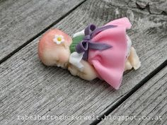 fondant Maxine   Cute baby mold and how to dress her   cake recipes