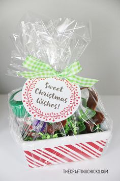 Cookie Kit Gift Idea and Free Printable - Love this!  Great for teachers, neighbors, friends and family!  Just click and print!