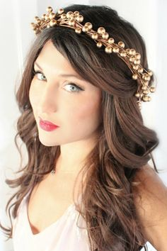 Holiday Charm! This Gorgeous little headband is from @deloop