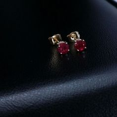 Solid 14k yellow gold natural round cut red ruby stud earrings .70 ct  #GDD #Stud