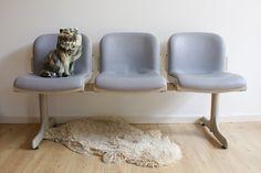 Vintage wachtkamer-bank. 3 retro stoelen, design J.B. Meijer/Kembo
