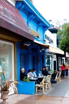 We can see you have an eye for style and believe you would enjoy time on Union Street, as it is one of San Francisco's shopping havens! Boutiques, retail stores & cafe's adorn this long street, making it perfect for an afternoon stroll!