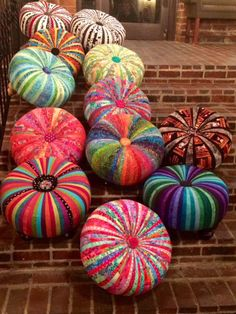 Many tuffets on brick.  Aren't these pretty?