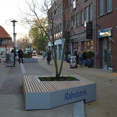 In Barneveld zijn op maat gemaakte banken geplaatst. Netherlands, Holland, Bench, Urban Furniture, The Nederlands, The Nederlands, The Netherlands, Desk, Bench Seat