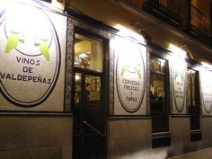 Discover the best bars in Madrid's literary neighbourhood of Barrio de Las Letras Madrid, Cool Bars, Ideas Para, The Best, The Neighbourhood, Spain, Good Things, Sierra, Temples