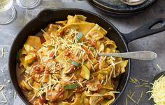 Lasagne uit de koekenpan Diner Recipes, Love Food, Pasta, Dinner, Ethnic Recipes, Drinks, Camping, Mushroom, Lasagna