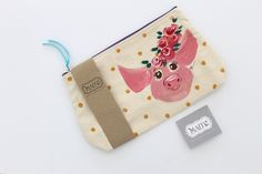 REVIEW OF MAITECALZATURE'S CUSTOM PAINTED COSMETIC PIGGY PURSE - when your hand painted accessory is review - rosina the pig is famous