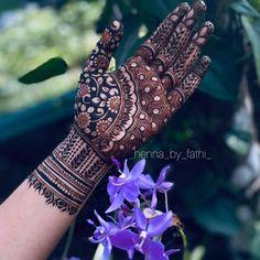 Mehndi Designs Front Hand, Mehndi Designs For Kids, Floral Henna Designs, Latest Bridal Mehndi Designs, Mehndi Designs Book, Mehndi Designs For Beginners, Mehndi Design Photos, Unique Mehndi Designs, Wedding Mehndi Designs