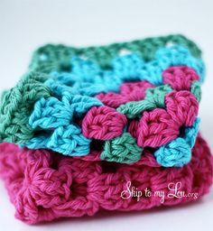 How to crochet a Granny Square dish cloth #crochet #skiptomylou   http://www.skiptomylou.org/