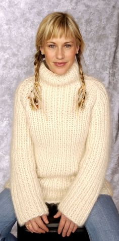 Fluffy Sweater, Angora Sweater, Thick Sweaters, Cozy Sweaters, Patricia Arquette, Celebrity Gallery, Looking Gorgeous, Beautiful, Supermodels