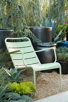 terrasse colorée avec mobilier de #jardin #luxembourg #fermob www ... - Chaise Luxembourg Fermob Soldes