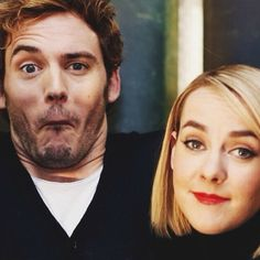 I love how dorky Sam and Jena are! They are great. Hunger Games Cast, Hunger Games Catching Fire, Hunger Games Trilogy, Katniss And Peeta, Katniss Everdeen, Gale Hawthorne, Wtf Face, Weird Face, Johanna Mason