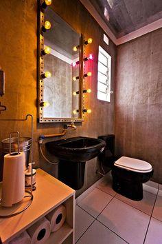 Como utilizar o espelho do banheiro da melhor forma possível na tua decoração. Decoração de espelho de banheiro. Decoração de banheiro.