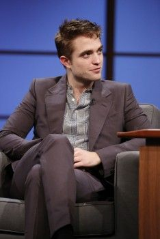Rob on Late Night with Seth Myers, 6-17-14 (19)