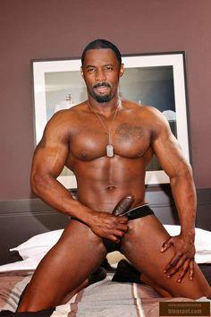 Idris Elba Body, Attractive Men, Black Men, Eye Candy, Jackson, Gay, Swimwear, How To Wear, Photography