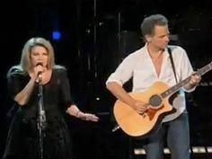 """Stevie Nicks and Lindsey Buckingham Live, Singing """"Landslide"""""""