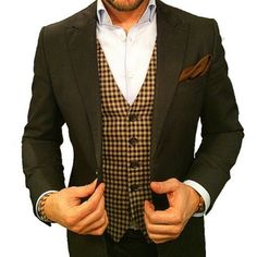 monsieuredgar: PRO BESPOKE is a team implementing new ways of working derived from European custom garment suppliers. We invested in state of the art machinery and we have experienced personnel. Suit Up, Cool Suits, Fasion, Suit Jacket, Vest, Dapper, A Team, Bespoke, Style Me