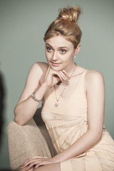 Dakota Fanning HD Wallpaper 1