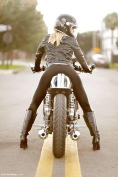 "Yamaha Cafe Racer ""Yamaha Whisperer"" by Greg Hageman - Photo by Erick Runyon Moto Ducati, Yamaha, Lady Biker, Biker Girl, Bullitt Bike, Motos Sexy, Guzzi V7, Cb 500, Chicks On Bikes"