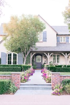 Cottage Style Homes, Cottage House Plans, Craftsman House Plans, Unique House Design, Dream Home Design, Arcadia Phoenix, Phoenix Arizona, Cottage In The Woods, Mediterranean Homes