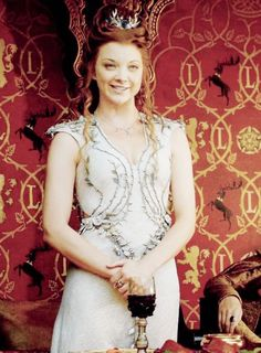 Margaery Tyrell - Game of thrones Got Costumes, Movie Costumes, Margery Tyrell, Game Of Trone, Game Of Thrones Series, Natalie Dormer, Love Games, Beautiful Costumes, Winter Is Coming