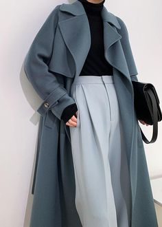 Classy Outfits, Chic Outfits, Girl Outfits, Fashion Outfits, Muslim Fashion, Modest Fashion, Girl Fashion, Black Turtleneck Outfit, Suits For Women
