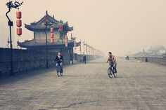 Cycling on top of the Xi'an city wall